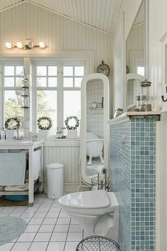 Gorgeous Beach House Bath Suite !