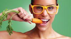Yaşam için oldukça önemli bir organımız olan gözlerimizin sağlığını yediğimiz yiyecekler ile arttırabiliriz. Göz bozukluklarının ve rahatsızlıklarının önüne geçmek için düzenli tüketmeniz gereken yiyecekleri sizler için derledik.