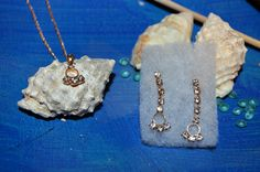 Maqui makes gift giving easy with earring sets (14kt).  A perfect gift for a baby Kid, graduate, bride, wedding anniversary or just because you ...