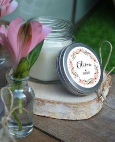 Une bougie parfumée pour vos invités ou pour décorer votre table - un joli cadeau !  format 6x6cm pour la bougie possibilité de rajouter le pochon personnalisé en sus    visitez mon site : http://latelierinspire.com Retrouvez-moi sur facebook :