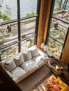 living casa ranco federico elton revista ed Cabin Interiors, Small Living Rooms, Porch Swing, Outdoor Furniture, Outdoor Decor, Country Decor, House Colors, My Dream Home, Small Spaces