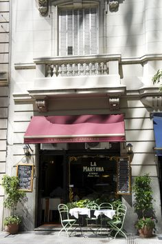La Martona. Arenales and Esmeralda streets. Breakfast and lunch Time. Buenos Aires