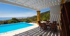 Eleonas Votsalakia - Eliza was here - Unieke kleinschalige zonvakantie boeken Samos, Take A Break, Portugal, Porch, To Go, Places To Visit, Vacation, Outdoor Decor, Holiday