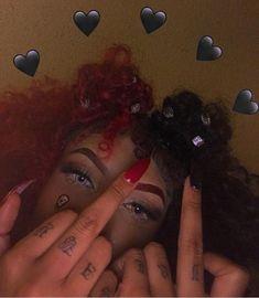 🕷 Possible New Andraste Sheni Dying World Girl Gang Aesthetic, Badass Aesthetic, Black Girl Aesthetic, Aesthetic Hair, Baddie Hairstyles, Black Girls Hairstyles, Cute Hairstyles, Images Esthétiques, Half And Half Hair