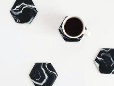 DIY : créer des dessous de verre en Fimo façon faux marbre sur @decocrush - www.decocrush.fr