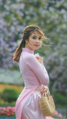 Vietnamese Traditional Dress, Vietnamese Dress, Traditional Dresses, Ao Dai, Vietnam Costume, Thai Dress, Asian Girl, Asian Ladies, Gorgeous Women