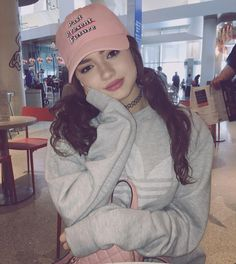 You searched for Consulta - Search Dytto Dancer, Outfits With Hats, Cute Outfits, Cap Girl, Cool Poses, Fall Hair Colors, Selfie Poses, Girl Inspiration, Motivation Inspiration