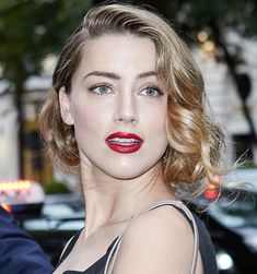 Copy Amber Heard's Stunning Makeup And Hair For Summer 2015