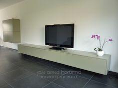 zwevend-tv-meubel-plus-kast.jpg 600×450 pixels