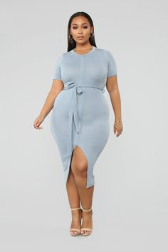 Stylish Plus-Size Fashion Ideas – Designer Fashion Tips Plus Size Fashion For Women, Plus Size Womens Clothing, Clothes For Women, Dusty Blue, Night Out Outfit Clubwear, Curvy Women Fashion, Womens Fashion, Fat Fashion, Blue Fashion