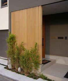 Entrance behind the louver House Entrance, Entrance Doors, Exterior Design, Interior And Exterior, Privacy Fence Designs, Outdoor Living, Outdoor Decor, Japanese House, Facade House