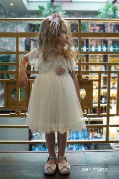 Βαπτιστικό φόρεμα permano, annassecret Girls Dresses, Flower Girl Dresses, Wedding Dresses, Flowers, Fashion, Dresses Of Girls, Bride Dresses, Moda, Bridal Gowns