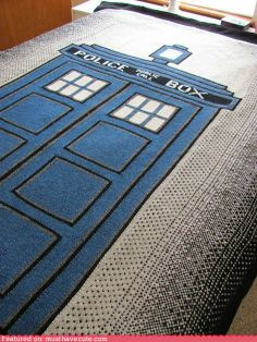 Giant TARDIS blanket! Found pattern at http://www.ravelry.com/patterns/library/doctor-who-tardis-afghan