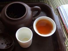 Soğuk Havalarda Okaliptüs Çayı İçin    Okaliptüs yüzyıllardan beri insanların kullandığı bir bitki türüdür. Başta soğuk algınlığı olmak üzere grip, nezle ve bronşit gibi hastalıkların tedavilerinde kullanılmaktadır.    Okaliptüs öksürüğe iyi gelmektedir.