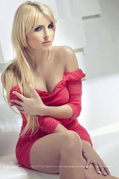 Hot n sexy curveS Hot Blondes, Lingerie Collection, Sexy Curves, Pretty Woman, Lady In Red, Beauty Women, Cute Girls, Sexy Women, Photos
