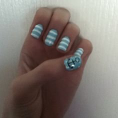 Anchor nails <3  SUMMER TOENAILS