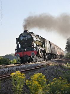 Paragraaf 1 - De stoomtrein was de eerste trein die er bestond, het was eigenlijk een stoommachine op wielen.