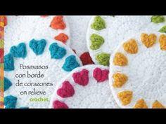 Corazones en relieve en el borde: posavasos redondos tejidos a crochet! Regalo de San Valentín :) - YouTube ༺✿ƬⱤღ http://www.pinterest.com/teretegui/✿༻