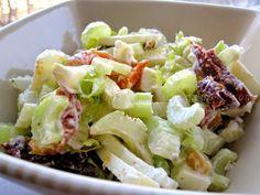Potrawy Półgodzinne: Surówka z Selera Naciowego z Sosem Tahini