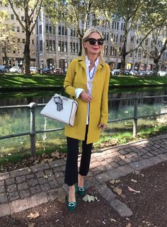 Best Clothing Styles For Women Over 50 - Fashion Trends Over 50 Womens Fashion, Fashion Over 40, Fashion Tips For Women, 50 Fashion, Women's Fashion Dresses, Fashion Trends, Fashion Hacks, Fashion Styles, Fashion Clothes