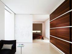 Sliding wall/door