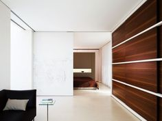 Sliding wall/door