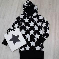 Buenos días!!! empezamos el día con estrellas  se acerca la Navidad  y no podía ser menos!!! #nins #ninsmanresa #molo #moloinsta #moloandme #picoftheday #photooftheday #bestoftheday #kidsfashion #scandifashion #love #beautiful #me #kidsstyle #kidsoutfits #instalike #instadaily #instagood #molokids #modainfantil #moda #cotton #ootd #fashion