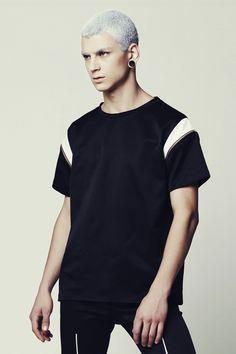 Mens T-shirts – Men's Black and White Tshirt w/ detachable sleeves – a unique product by EliranNargassi on DaWanda
