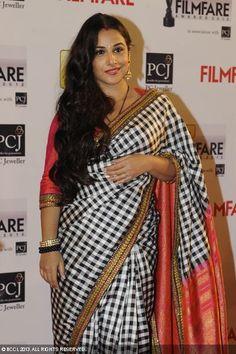 Vidya Balan in a beautiful Sabyasachi Saree @ the 2013 Filmfare Awards. This is definitely on my wish list.