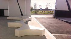 Banquette en beton Folia, Guyon, mobilier urbain / Folia concrete bench, Guyon, urban furniture Concrete Bench, Urban Furniture, Sidewalk, Stylish, Design, Street Furniture, Side Walkway, Walkway
