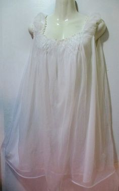 Vintage snow white puffy sixties nightie med the one I bought... Bedtime 597e1fd85