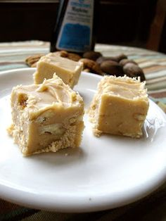 Maple Pecan Fudge. No candy thermometer needed. This fudge is easy to make, and soooo delicious!!