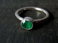 Natural emerald ring / May birthstone / emerald engagement ring / faceted emerald ring / untreated emerald / emerald jewelry / green ring by EmmyBean on Etsy