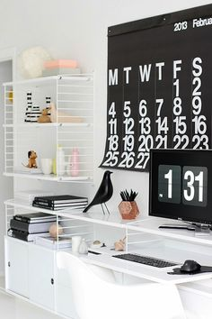 I told you all about my home office inspiration in my last post and the String shelving system was at the top of my temptation list. String is the original shelving system designed by the Swedish a… String Regal, String Shelf, Bureau Design, Home And Deco, Cool House Designs, Eames, Interior Inspiration, Living Room Designs, Decoration