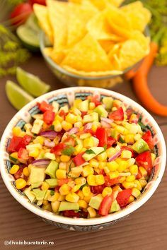 SALSA CU PORUMB SI AVOCADO | Diva in bucatarie Roasted Corn, Veggies, Cooking Recipes, Mexican, Snacks, Mai, Ethnic Recipes, Diva, Bedroom