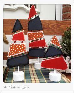 Ihr braucht noch Deko für Weihnachten?    Na, vielleicht ist das ja was für euch.    3 Tannenbäume mal nicht in grün und mit Kugeln sondern aus Holz u