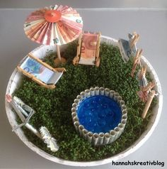 A monetary gift garden with a pool. The Effective Pictures We Offer You About DIY Father's Day presents A quality picture can tell you many things. Diy Gifts Paper, Diy Presents, Craft Gifts, Diy Birthday, Birthday Gifts, Don D'argent, Diy Wedding, Wedding Gifts, Diy Crafts To Do