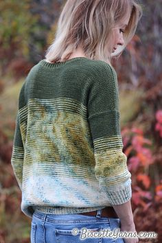 Andrea Yetman charms us once again with her beautiful design! Here is her latest sweater pattern, Twist of Fade, created especially for Biscotte Yarns! Free Knitting Patterns For Women, Knit Patterns, Sweater Patterns, Yarn Twist, Jumper Knitting Pattern, Loose Knit Sweaters, Men Design, Hand Dyed Yarn, Mantel