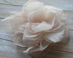 Pedazo de pelo de flor de tela en Champagne: por DinkybirdBoutique