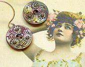Des articles similaires à Antique Button Shell Buttons Mother of Pearl Small Group of 17 L1746 sur Etsy, la plateforme de vente internationale du fait-main et du vintage.