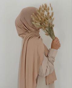 Beautiful Hijab Girl, Beautiful Muslim Women, Hijabi Girl, Girl Hijab, Muslim Fashion, Hijab Fashion, Hijab Hipster, Hijab Cartoon, Islamic Girl