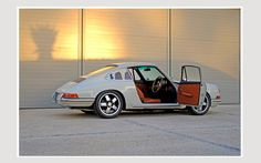 Dutchmann's 1968 912 Weekend Racer at the Kalahari Speedweek.  Beautifully restored and updated 912.