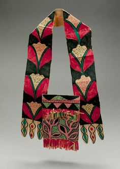 The Bandolier was an important part of a Lenape (Delaware) man's traditional clothing. Learn about the Lenape Indians as you create a beautiful replica. Native American Regalia, Native American Beading, Native American Indians, Seminole Indians, Indian Beadwork, Native Beadwork, Delaware Indians, Indian Project, Indigenous Art