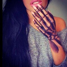 Hand Tattoo Skelett Knochen tattoos for girls Hand Tattoo Skelett Knochen Makeup Fx, Hand Makeup, Prom Makeup, Beauty Makeup, Tattoo Girls, Girl Tattoos, Tattoos For Women, Girly Hand Tattoos, Female Hand Tattoos