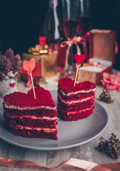 Red velvet cake Red velvet cake for Valentine s day engagement romantic din R. Velvet Cake, Red Velvet, Birthday Candles, Birthday Cake, Cool Wedding Cakes, Romantic Dinners, Valentines Day, Cheesecake, Wedding Decorations