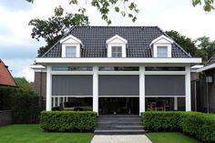 Grijze windvaste screens - zonwering Garage Doors, Shed, Outdoor Structures, Outdoor Decor, Home Decor, Balcony, Lawn And Garden, Decoration Home, Room Decor