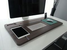 Make your office desk look less cluttered and more organized with this beautifully crafted Unify desktop. Coming in a variety of wood grain colors of white