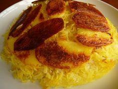 Meine Freundin in Halbperserin. Bei ihr habe ich das erste Mal diese absolut köstliche Art, Reis zu bereiten, kennen gelernt. An der Güte de...