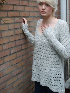 Ravelry: Inspired Sweater pattern by Boadicea Binnerts US 7 & US 6 Needle Sweater Knitting Patterns, Free Knitting, Knitting Sweaters, Plymouth Yarn, Lang Yarns, Paintbox Yarn, Red Heart Yarn, Yarn Brands, Pullover
