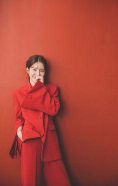 Korean Wedding Photography, Couple Photography Poses, Fashion Photography, Pre Wedding Poses, Pre Wedding Photoshoot, Foto Wedding, Studio Poses, Korean Fashion, Fashion Outfits